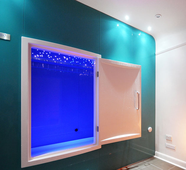 float room with blue interior